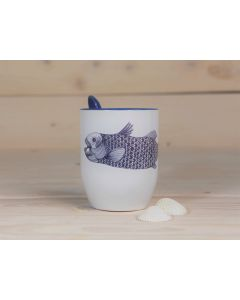 Löffel-Tasse mit Fisch